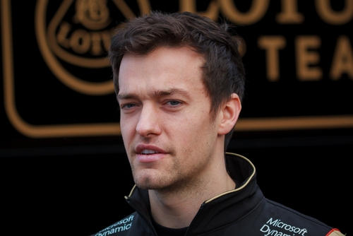 blogcertified-Jolyon-Palmer-column-Lewis-Hamilton-would-bechampion-in-a-Mercedes-or-a-Ferrari