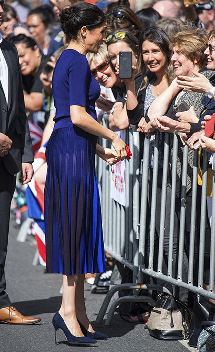 blogcertified-Meghan-Markle-suffers-another-wardrobe-malfunction-wears-see-through-skirt-in-New-Zealand