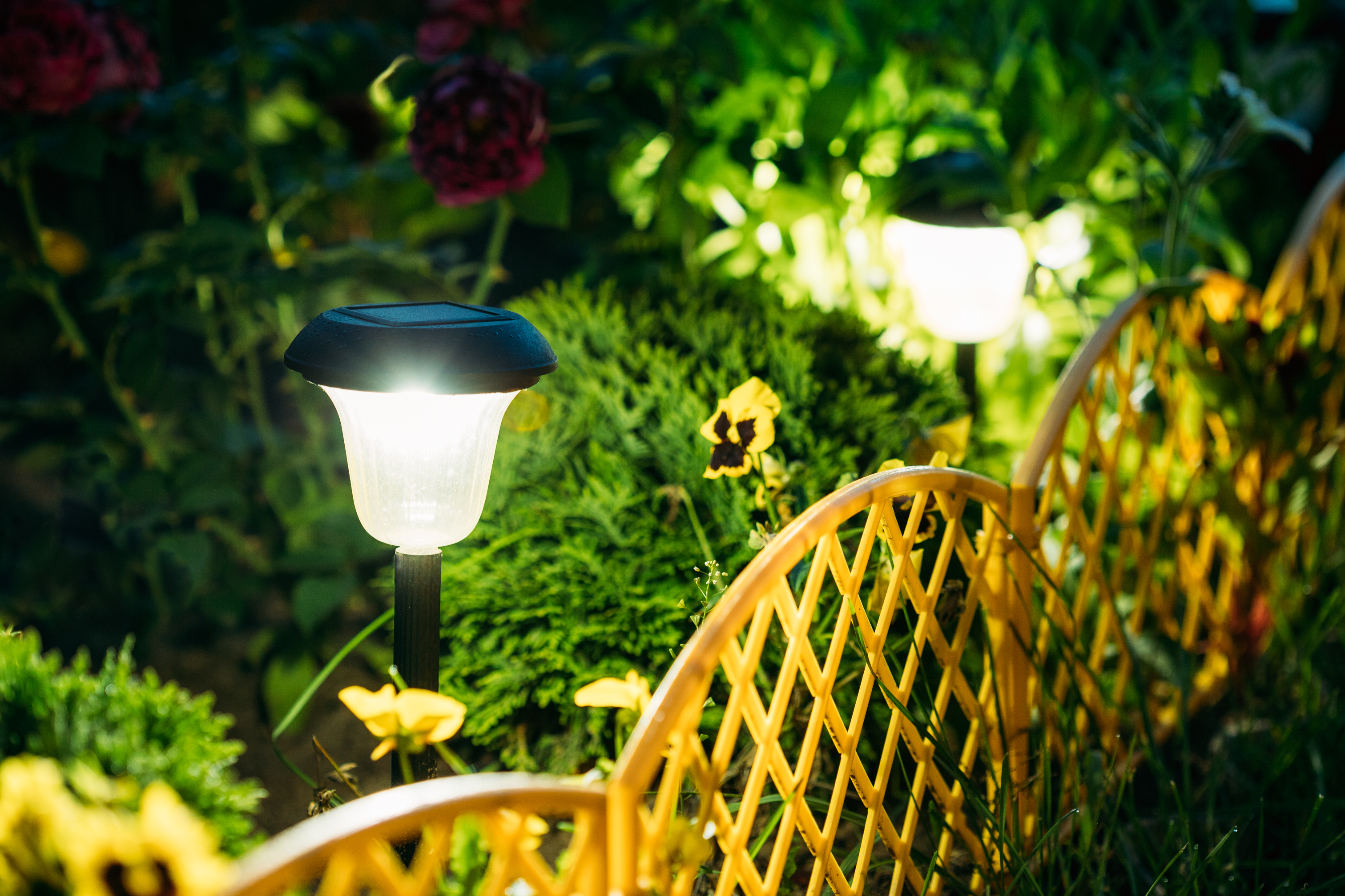 solar-garden-lights-diy-haultail