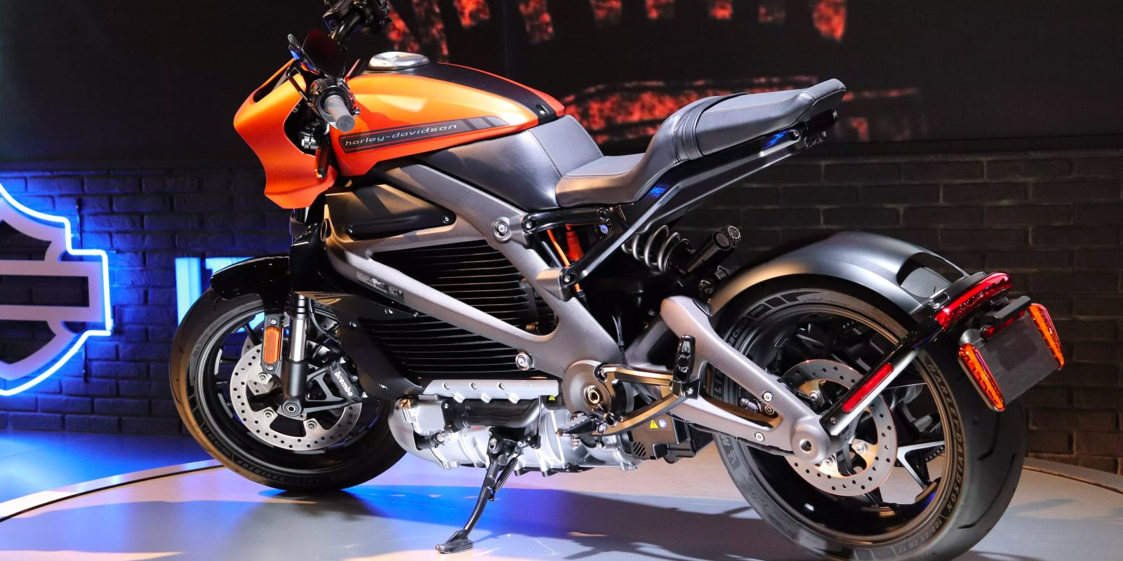 blogcertified-Harley-Davidson's-electric-LiveWire-debuts-in-Italy
