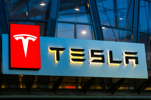 blogcertified-Tesla-names-director-Denholm-as-chair-after-Musk-rows
